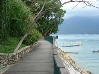 Click Here to view Walking trail along the banks of SunMoon lake in Full Size