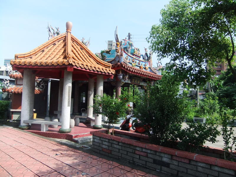 Smal Taiwanese Temple
