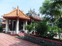 Click Here to view Smal Taiwanese Temple in Full Size
