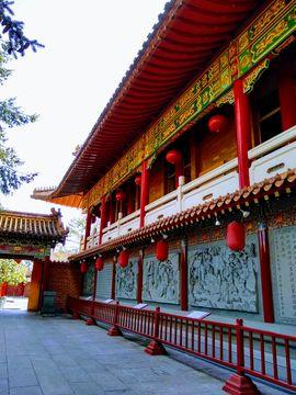 Temple in Canada